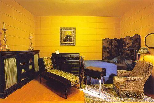 Proust bedroom